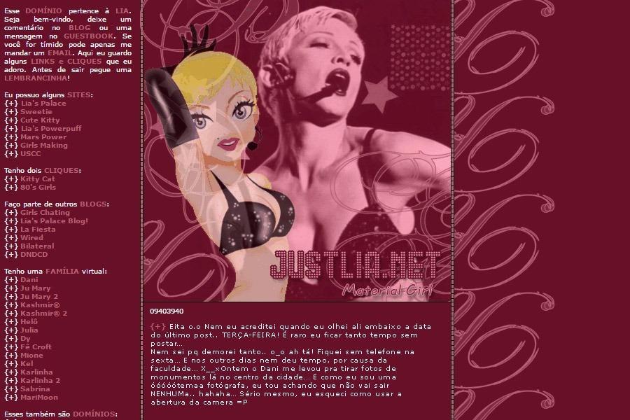 (No ar em 20/06/02) Comentários: Um dia eu acordei com a música Material Girl na cabeça e, lembrando do clipe, achei que uma imagem dele daria um layout legal. Mas não fui muito feliz na busca pela imagem. Então com ajuda da minha miga Patthy, encontrei outras muito bonitinhas… Felizmente o Dani esqueceu uma revista aqui e, eu pude fazer esse efeito de transparência no desenho da Madonna. ^_^ Se você não gosta da Madonna, é uma pena.. espero que isso não influencie sua leitura no blog! ^_~