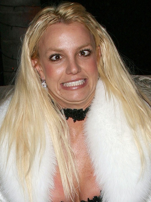 britney-spears-careta-hg-20091030