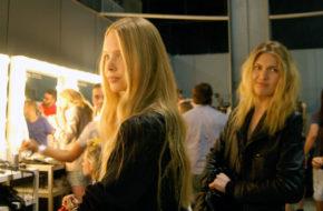 O backstage de um desfile do Fashion Rio