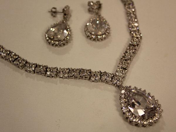 b8cab554a Onde comprar bijuterias, bijuterias, maxi colares, maxi colar,  lembrancinhas na 25 de março