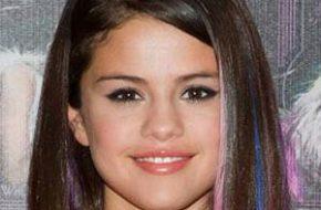 Batalha: Selena Gomez