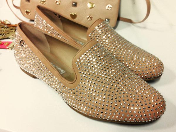 24a7bf40e A fábrica de sapatos e bolsas Carmen Steffens
