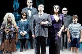 Musicais: Família Addams, Priscila A Rainha do Deserto, Mary Poppins, Rock Of Ages