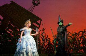 Musical Wicked e as bonecas de Oz: Mágico e Poderoso