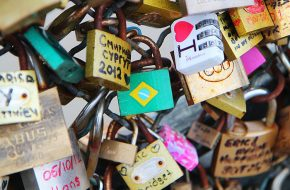 Paris – Pont des Arts e os cadeados do amor