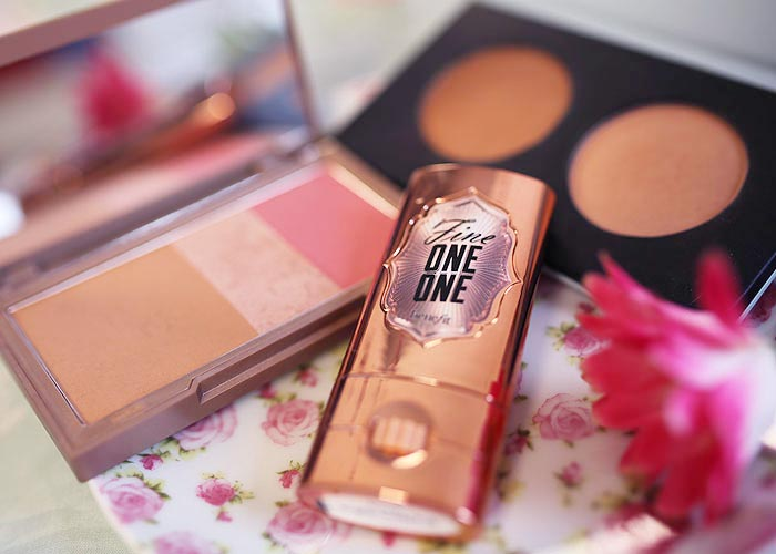 Naked Flushed Urban Decay, Duo de Blush Pausa para Feminices Tracta, Fine One One Benefit