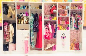 O closet da Barbie