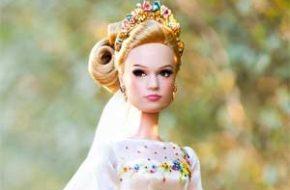 """O vestido de casamento e as bonecas do filme """"Cinderela"""""""