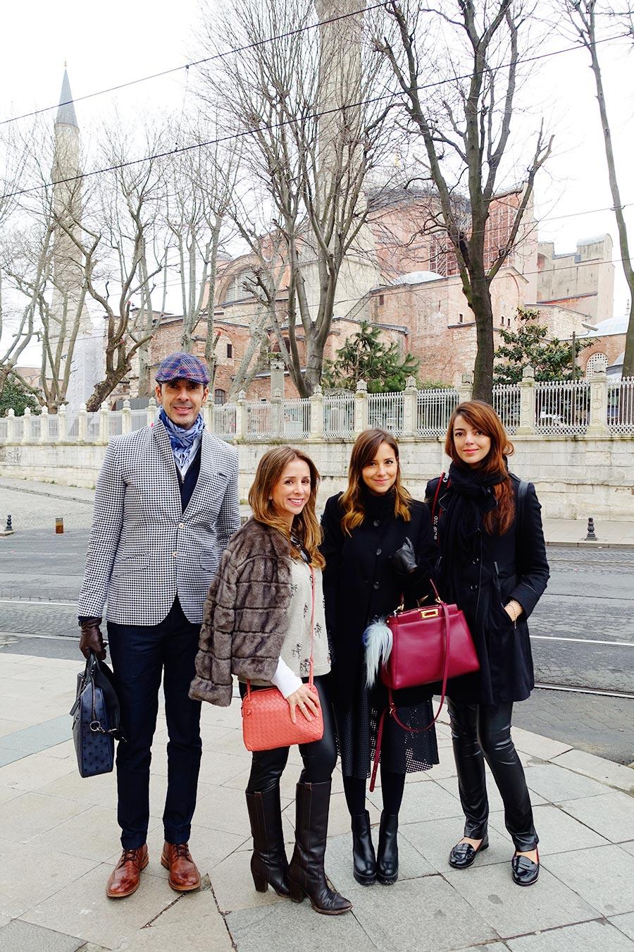 Nosso grupo: Alexandre, Camila e Luisa