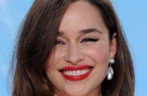 Batalha: Emilia Clarke