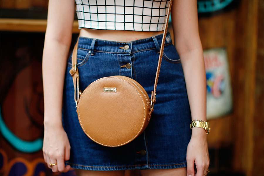 4 jeitos de usar: Saia jeans com botões na frente