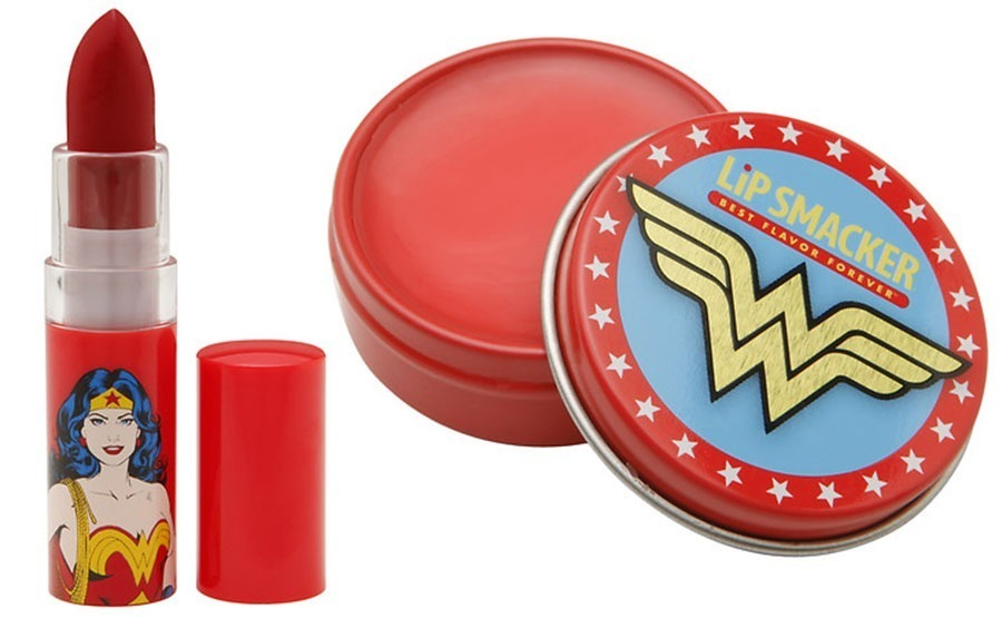 wonder-woman-walgreens-004