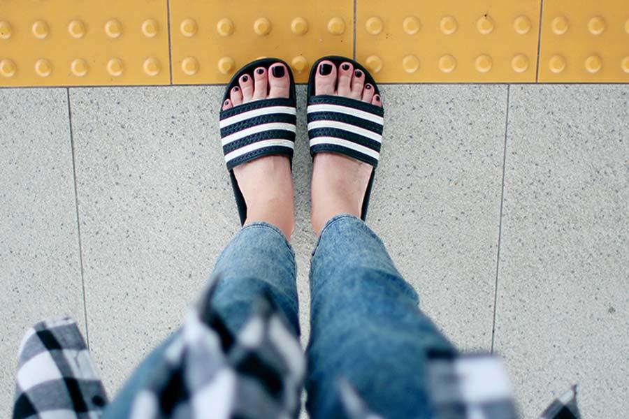 09e0bff6c1 Como usar  Chinelo slide - Just Lia