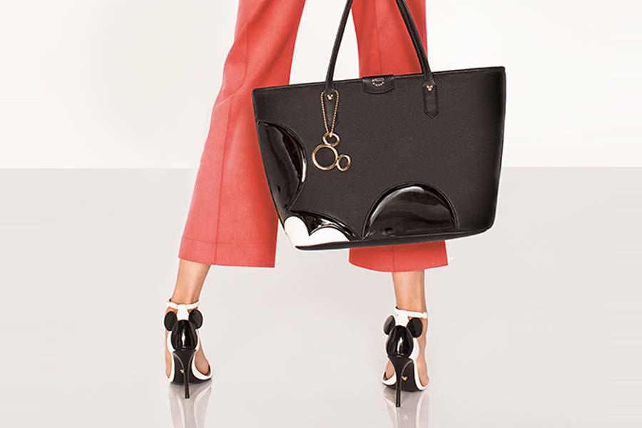 4f4bd5c0bf Disney X Arezzo - Sapatos e bolsas do Mickey - Just Lia