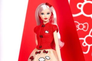 Barbie Hello Kitty 2017
